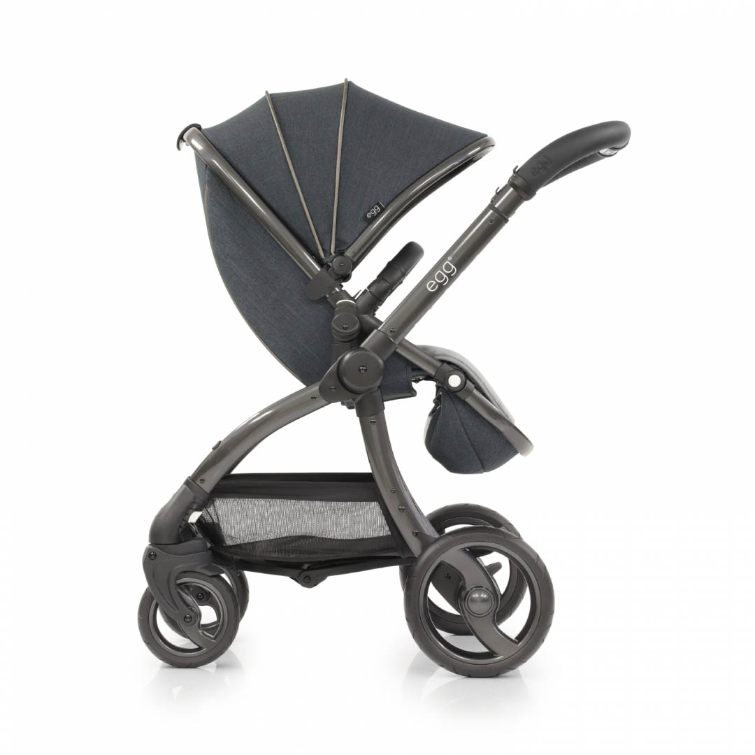 egg_Stroller_FacingRearward_CarbonGrey