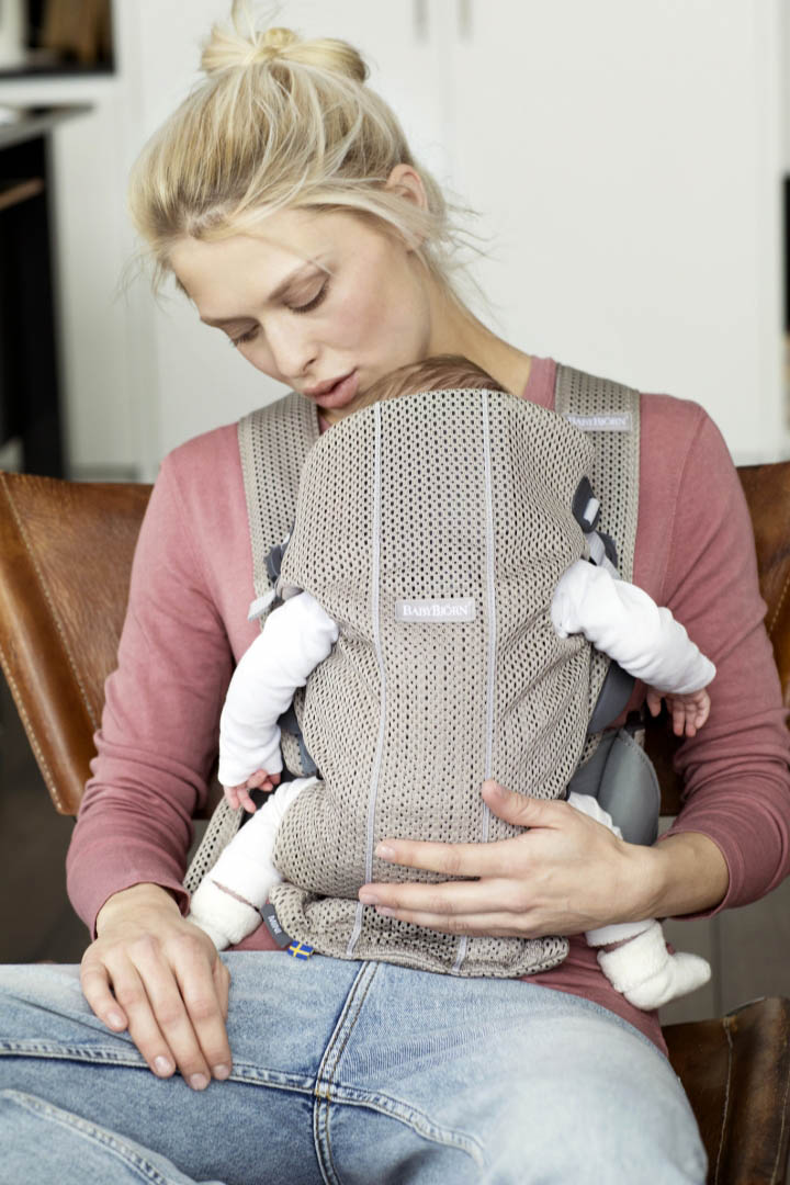 Baby-Carrier-Mini---Greige--Mesh--3-